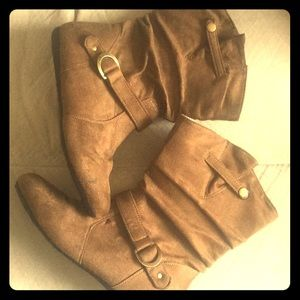 Shoes - Like new brown boots